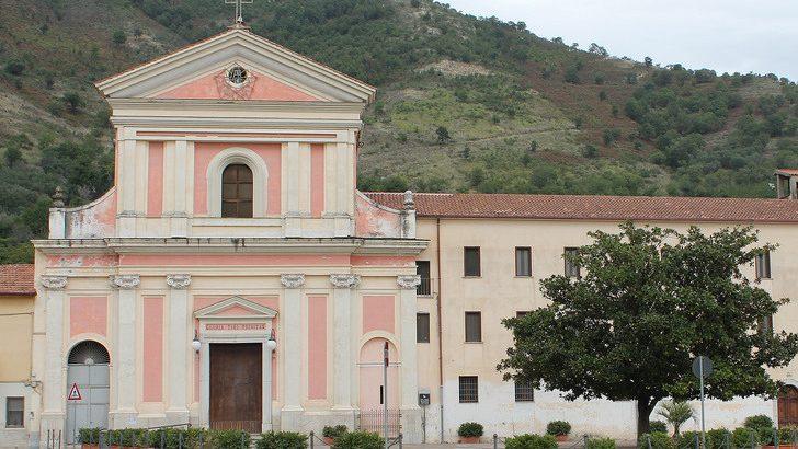 Mercato san severino ladri in azione al convento dei for Interno a un convento