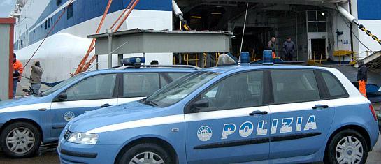salerno polizia porto