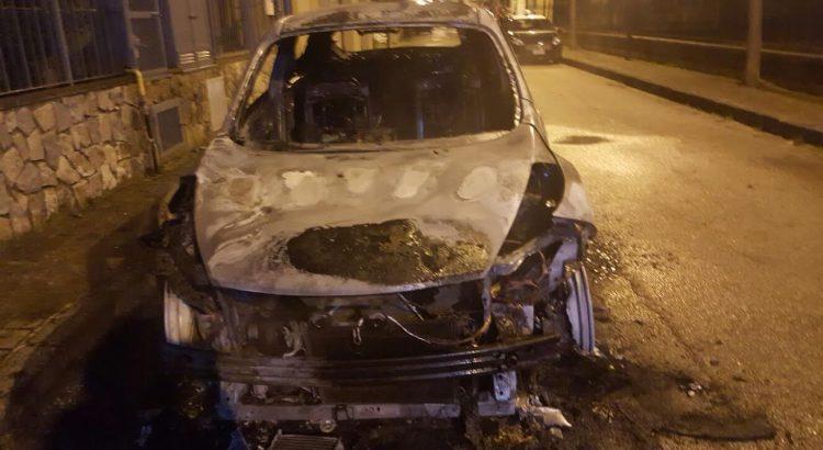 castel san giorgio auto bruciata