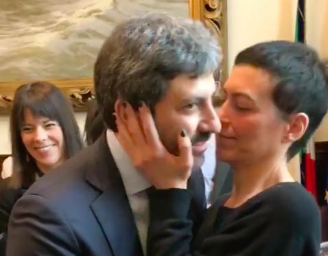 fico bacio parlamento