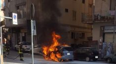 auto fiamme via vernieri