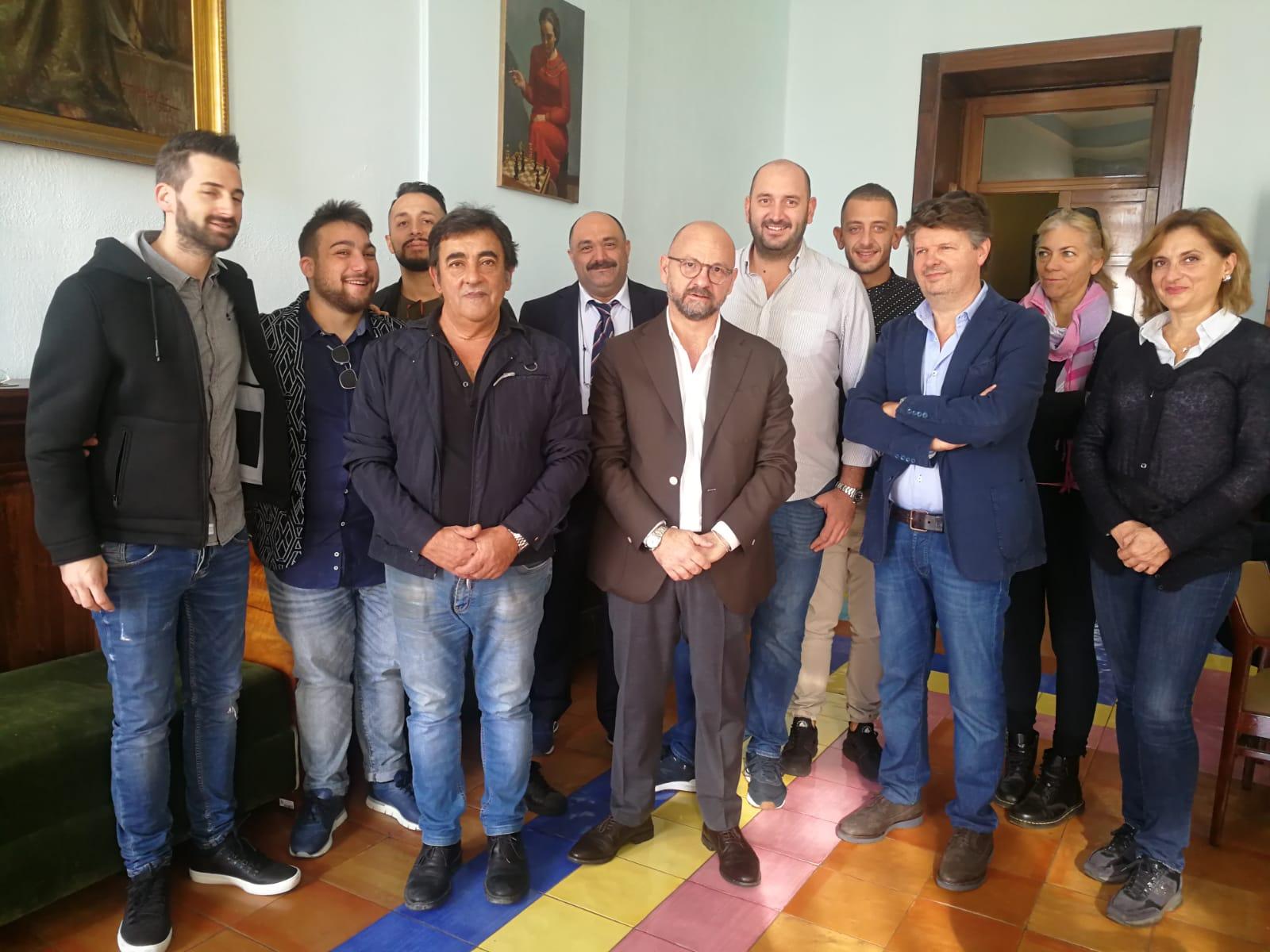Cucina Della Mamma Nocera Inferiore solidarietà d'artista, a salerno arriva la cucina solidale