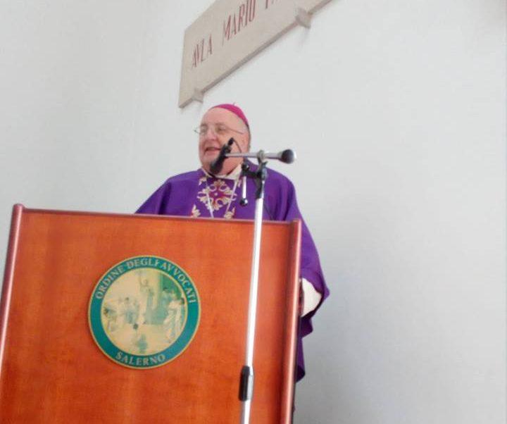 Salerno Letteratura: Salerno, Il Vescovo Moretti Si Dimette: Il Papa Accetta La